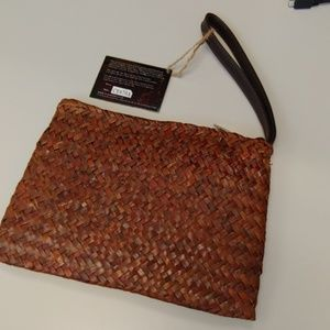 Sun & Sand Bags - Sun & Sand straw Pineapple 🍍 clutch/wristlet